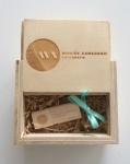 logo op houten cadeau doosjes